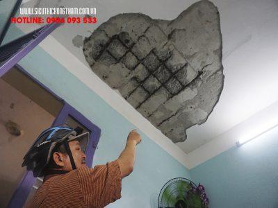 bất an cảnh mảng vữa trần nhà rơi xuống bất ngờ